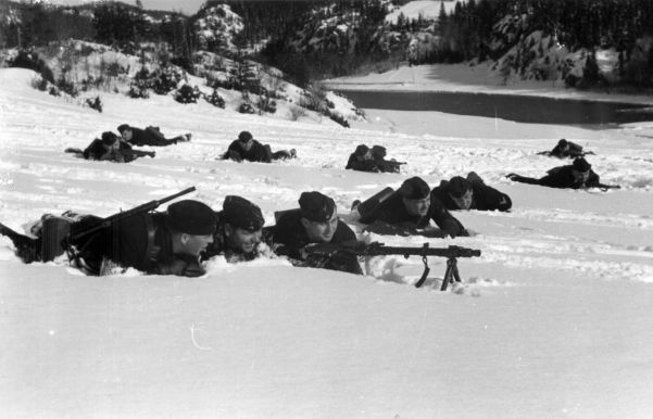 Prinz Eugen crew shore training with MG34 in Norway