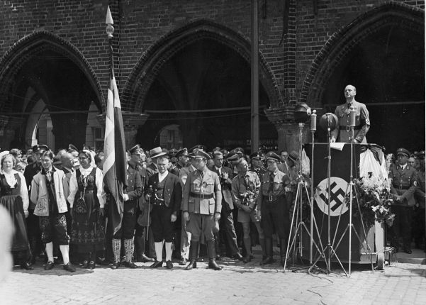 Alfred Rosenberg, Nazi racial philosopher, giving an anti-Semitic speech. Many Nazis regarded him as a crank.
