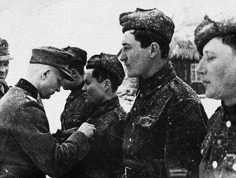 An award ceremony for Wehrmacht soldiers on the Eastern Front