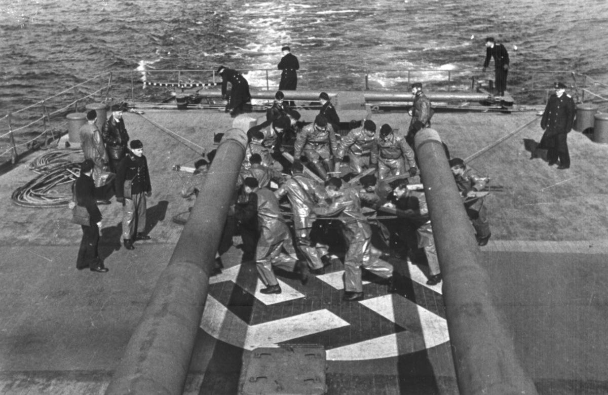 Manually operated rudder after loss of stern to torpedo in 1942