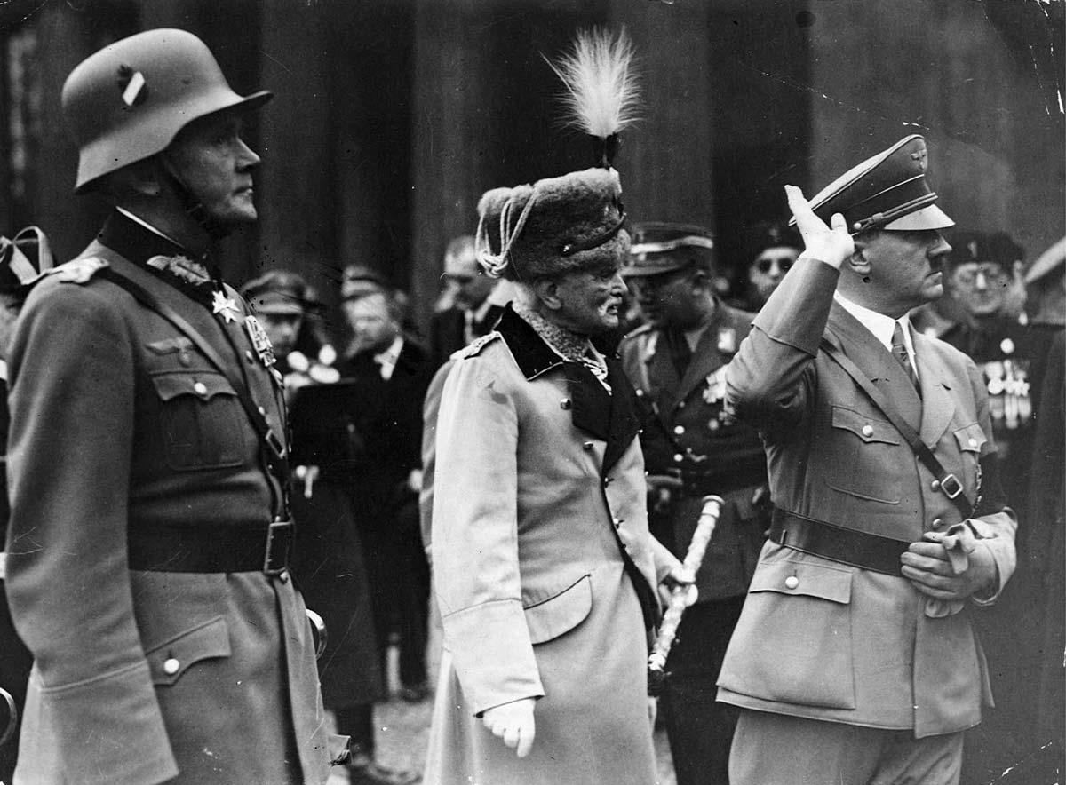 Hitler and Mackenesen