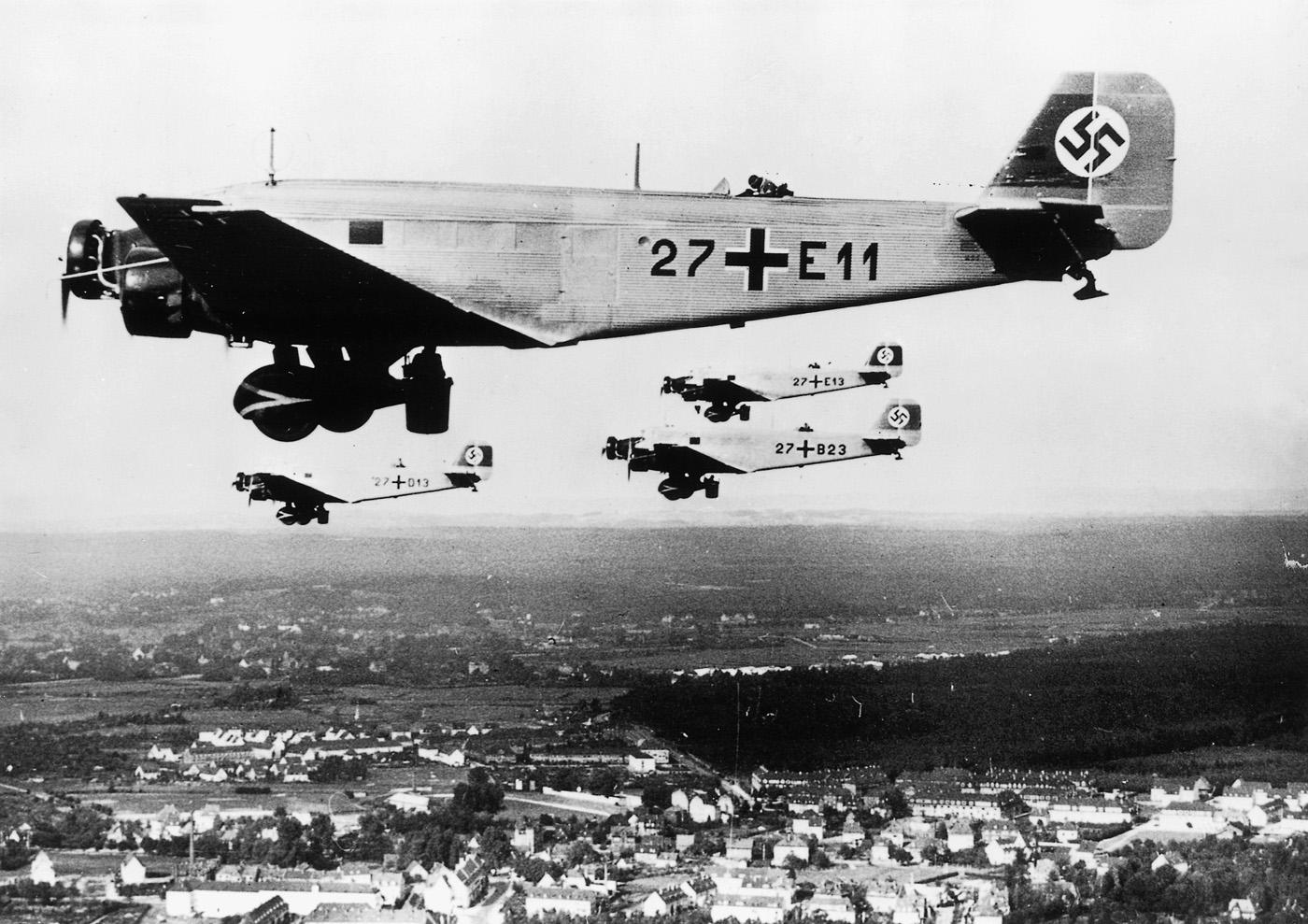 Junkers Ju 52 | Aircraft | Weapons & Technology | German War Machine